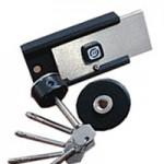 """Барьер 4   Цилиндровый накладной замок """"Барьер 4"""" предназначен для установки на дверные блоки толщиной 30-60 мм левого и правого открывания. Основные характеристики:   11 пар кодовых штифтов в механизме секретности использованы твердосплавные вставки для защиты от высверливания.  Функция блокирования открывания замка ключом (ночной режим).  Вылет засова 32 мм, 18 млн. секретов, так же значительно усложняет силовое вскрытие двери.  В сравнении с Барьер-2М увеличена секретность.  Визуальное считывание кода ключа невозможно.  Класс безопасности - 4 (высший).  Механизм секрета - оригинальный, цилиндровый.   Цена: от 2 600 руб."""